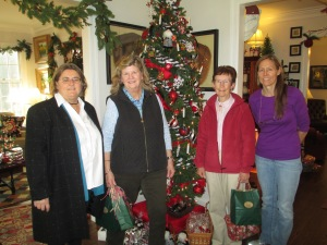 Four NJNA members enjoying the Christmas atmosphere at Gladstone Country House